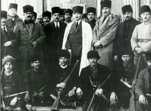 Kurtuluş Savaşının Önemli Aktörlerinden Ethem bey Atatürk ile.