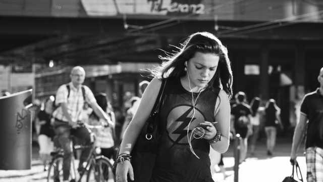 social-media-youth-report